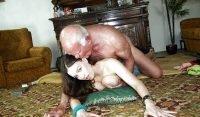 abuelo follando nieta
