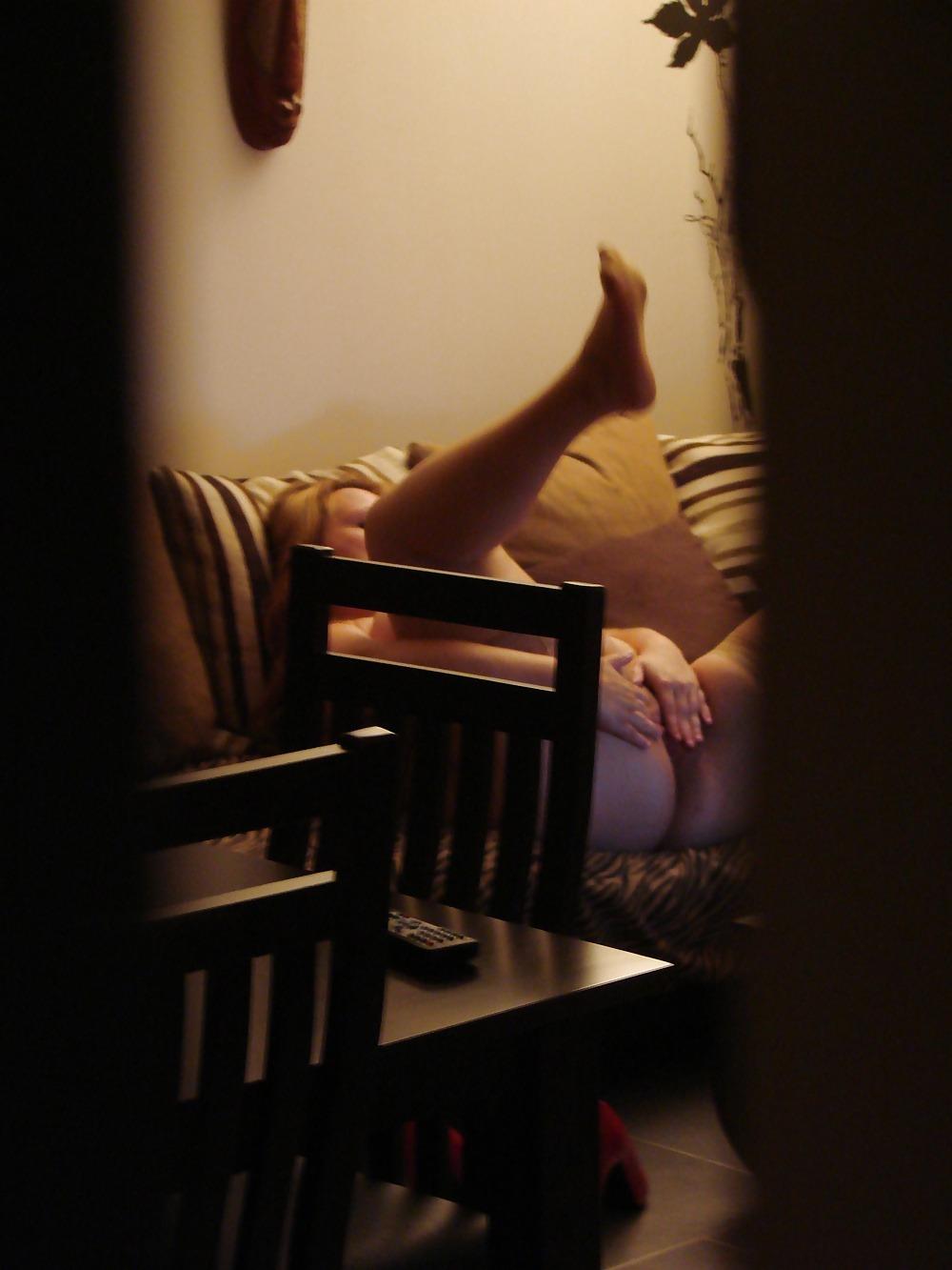 Masturbacion femenina casera sofa