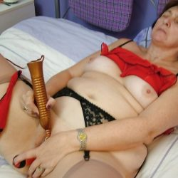 Una abuela muy caliente…(II)