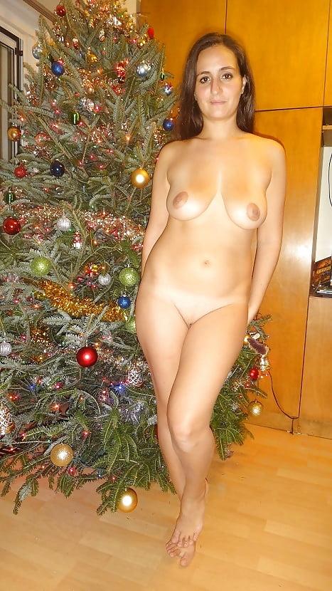Судзиловская фото голая русская жена новый год видео