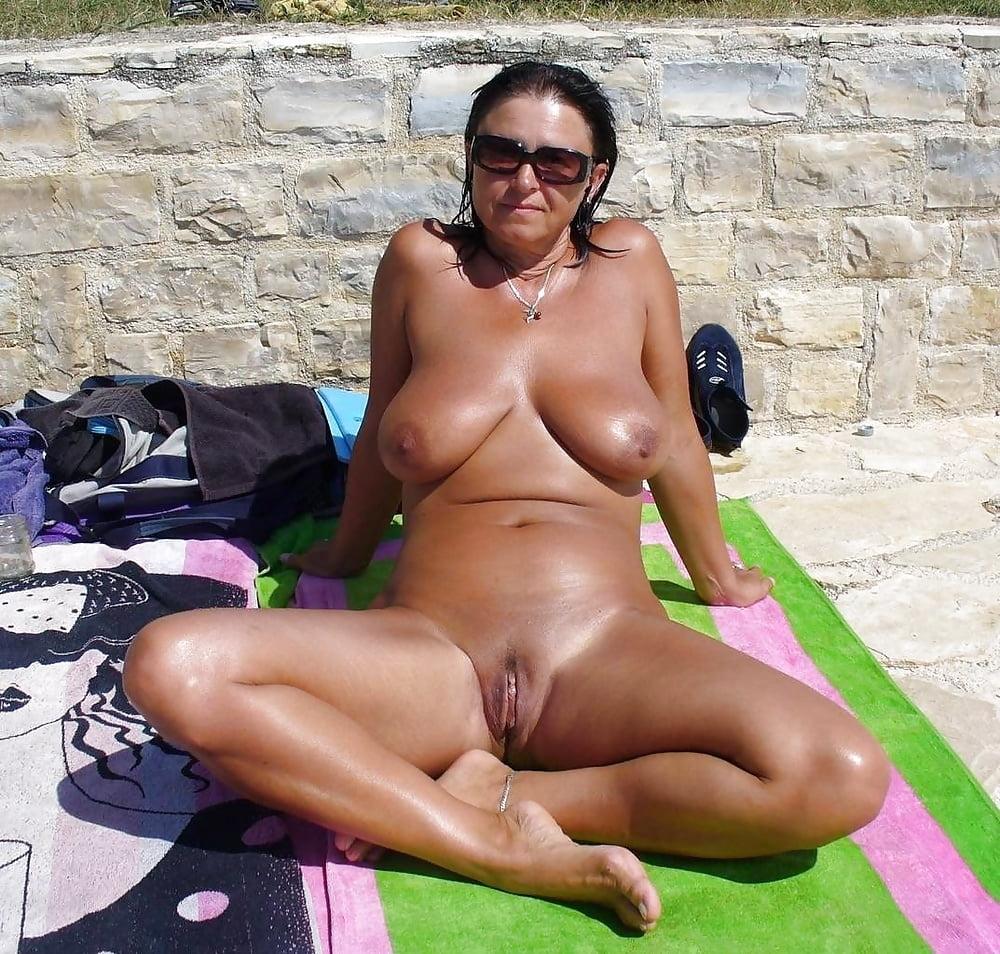 Esposa nudista en Mallorca